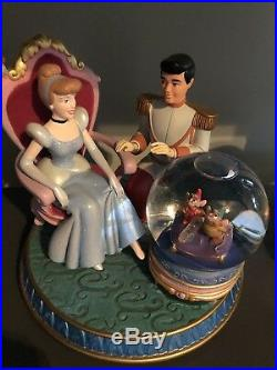 Disney Cinderella and Prince Charming Glass slipper snowglobe