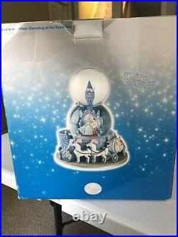 Disney Store Exclusive Cinderella and Prince Charming Snow Globe