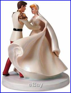 Disney WDCC Cinderella & Prince Charming Happily Ever After Statue Figurine New
