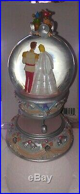 NEW! Disney parks store Snow globe Cinderella And Prince Charming jaq Gus bird