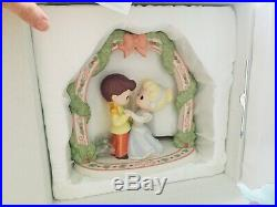 New Disney Showcase Precious Moments Cinderella and Prince Charming LIMITED