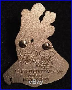 Pin 66970 WDW Passholder Gift Pin Golden Cinderella and Prince Charming LE500