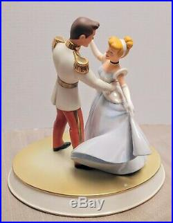 WDCC Cinderella Prince Charming So This Is Love Figurine Disney Classics & Base