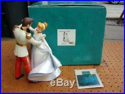 WDCC DISNEY COLLECTOR'S CINDERELLA SO THIS IS LOVE with PRINCE CHARMING NICE