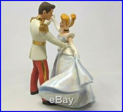 WDCC Disney Cinderella and Prince Charming So This Is Love with Box & COA A003