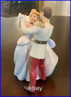 WDCC Original Cinderella and Prince Charming So This is Love Figurine Exellen