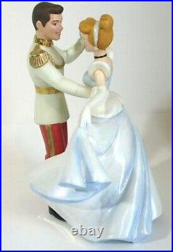 WDCC So This is Love Figurine Disney Cinderella & Prince Charming
