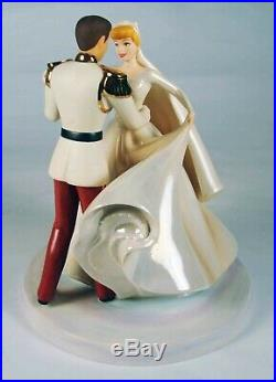 Walt Disney Classic Collection Figurine Cinderella & Prince Charming