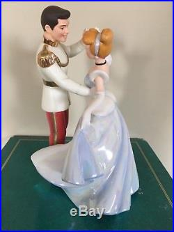 Wdcc Disney Cinderella And Prince Charming So This Is Love Figurine Box & Coa